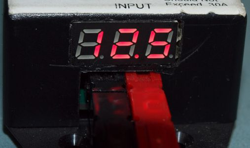 Powerpole Voltmeter assembled closeup