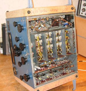 """<a href=""""http://www.vk2bv.org/the-restoration-of-valved-hf-communications-receivers/""""><b>Pic001</b></a>"""