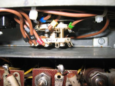 """<a href=""""http://vk2bv.org/the-restoration-of-valved-hf-communications-receivers/""""><b>Pic034</b></a>"""
