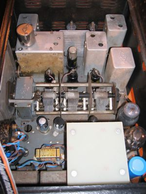 """<a href=""""http://vk2bv.org/the-restoration-of-valved-hf-communications-receivers/""""><b>Pic078</b></a>"""
