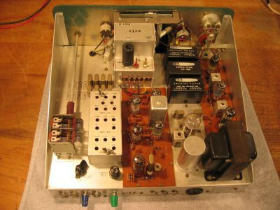 """<a href=""""http://vk2bv.org/the-restoration-of-valved-hf-communications-receivers/""""><b>Pic081</b></a>"""