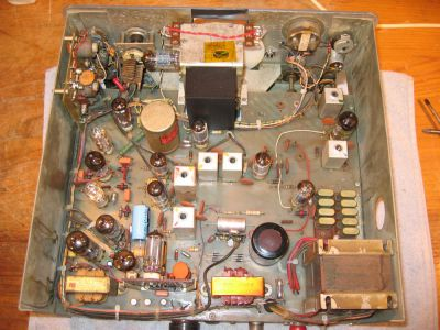 """<a href=""""http://vk2bv.org/the-restoration-of-valved-hf-communications-receivers/""""><b>Pic083</b></a>"""