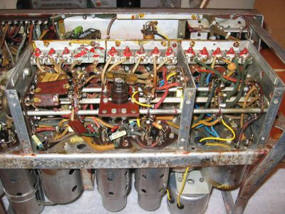 """<a href=""""http://vk2bv.org/the-restoration-of-valved-hf-communications-receivers-gallery/""""><b>Pic087</b></a>"""