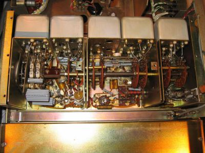 """<a href=""""http://vk2bv.org/the-restoration-of-valved-hf-communications-receivers/""""><b>Pic112</b></a>"""