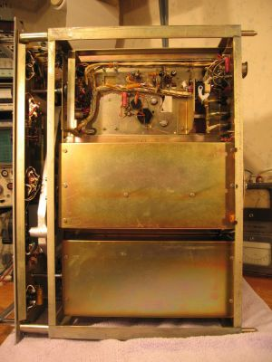 """<a href=""""http://vk2bv.org/the-restoration-of-valved-hf-communications-receivers/""""><b>Pic114</b></a>"""