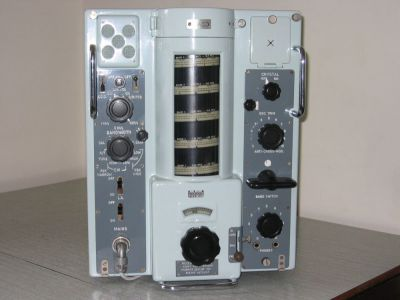 """<a href=""""http://vk2bv.org/the-restoration-of-valved-hf-communications-receivers/""""><b>Pic120</b></a>"""