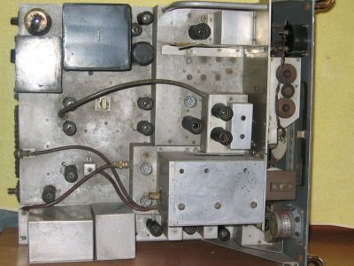 """<a href=""""http://vk2bv.org/the-restoration-of-valved-hf-communications-receivers/""""><b>Pic133</b></a>"""
