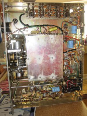 """<a href=""""http://vk2bv.org/the-restoration-of-valved-hf-communications-receivers/""""><b>Pic139</b></a>"""