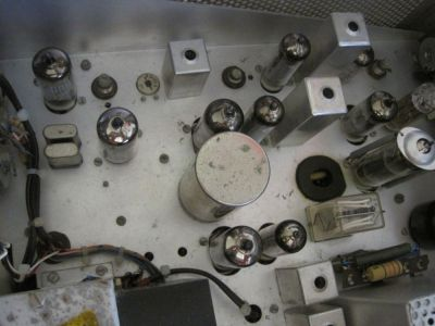 """<a href=""""http://vk2bv.org/the-restoration-of-valved-hf-communications-receivers/""""><b>Pic142</b></a>"""