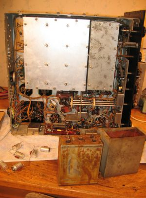 """<a href=""""http://vk2bv.org/the-restoration-of-valved-hf-communications-receivers/""""><b>Pic148</b></a>"""